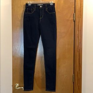 Levi's 721 High Rise Skinny Jeans - 26 LONG